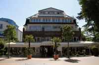 dethumb_Hotel-front-(9)